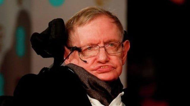 Ünlü Fizikçi Stephen Hawking 'den Uzaylılarla İlgili İddia!